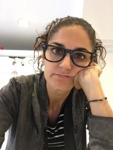 Las gafas brillantes con resina epoxi